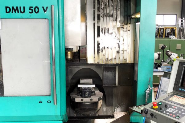DECKEL MAHO DMU 50V VERTICAL MILLING CENTER